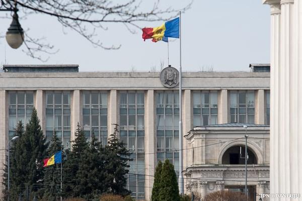 Analiză IDIS: R. Moldova se cufundă în criză. Agricultura și comerțul extern vor scădea drastic
