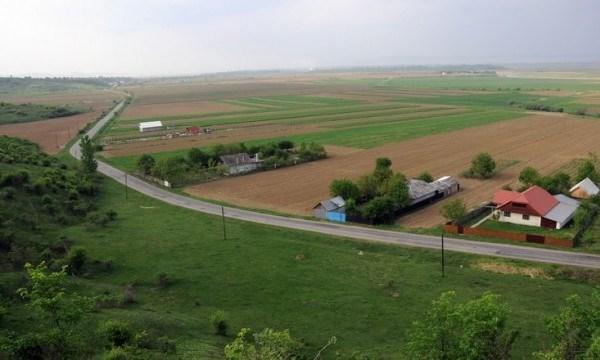 România a scăpat controlul asupra terenurilor agricole, care ajung să fie controlate de speculatori străini