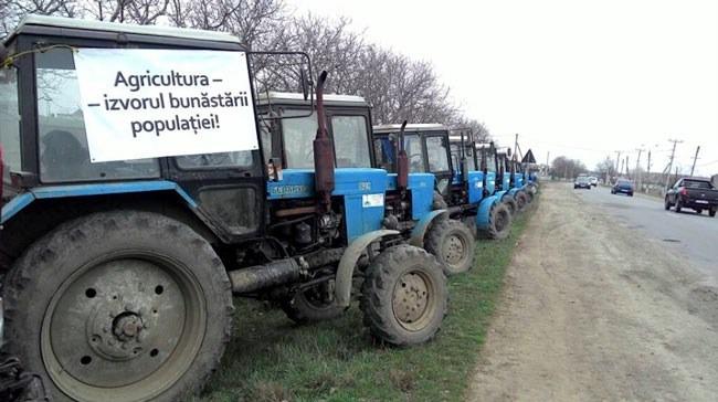 Agricultorii se pregătesc de proteste în faţa Guvernului