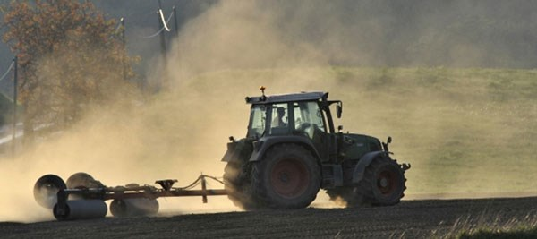 Studiu: Investițiile masive în agricultură din ultimii ani nu dau roade, din cauza alocării ineficiente a banilor