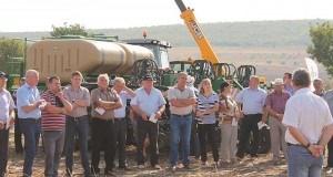 FOTO. Tehnica Great Plains a impresionat fermierii din sudul Moldovei