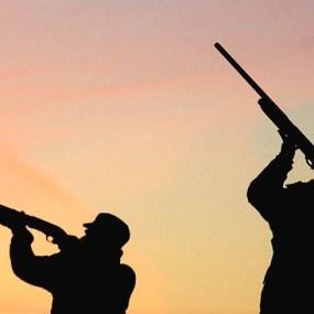 Sancţiuni drastice pentru braconaj: confiscarea armei, a automobilului sau chiar închisoare