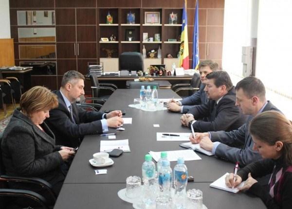 Ministrul Agriculturii a discutat cu ambasadorul Poloniei despre creditul de 100 de milioane de euro