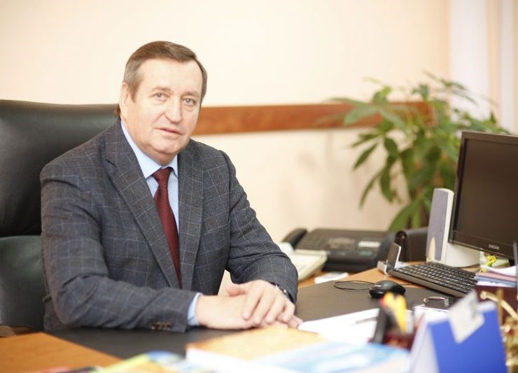 """Preşedintele """"Moldova Fruct"""": """"Dar cu ce ocazie ar trebui să ne vindem pământul nostru străinilor?"""""""